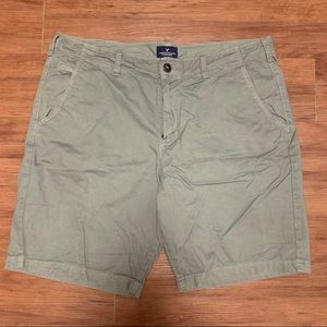 American Eagle Men's Khaki Shorts Size 38!
